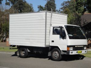 Phto of 3 Tonne Removals Pantech Truck